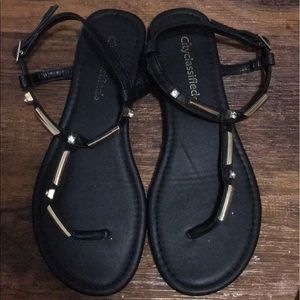 🏷City Classified Sandals
